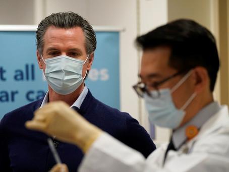 Los más adinerados de Los Ángeles ofrecen hasta 25 mil dólares por acceso prioritario a la vacuna