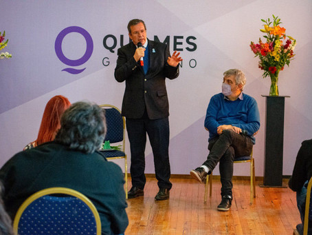 "Se presentó en Quilmes el programa ""Argentina Florece Teatral"""