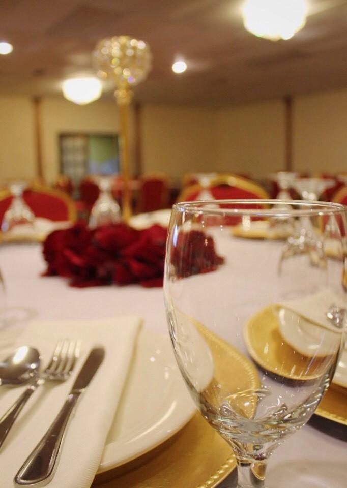 Elegant Table Presentation