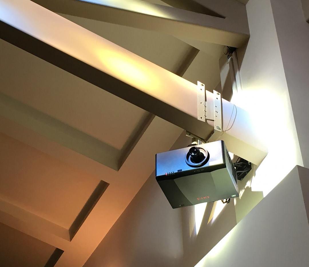 EIKI Projector Setup
