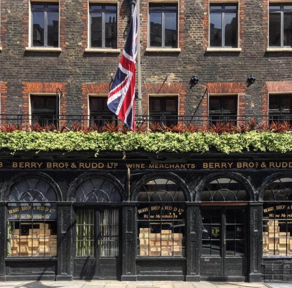Top 5 London s Oldest Shops 34c151c8412c