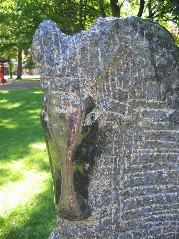 Prinsen (the Prince) (detalj) (140cmx140cmx40cm) Stone Larvikitt