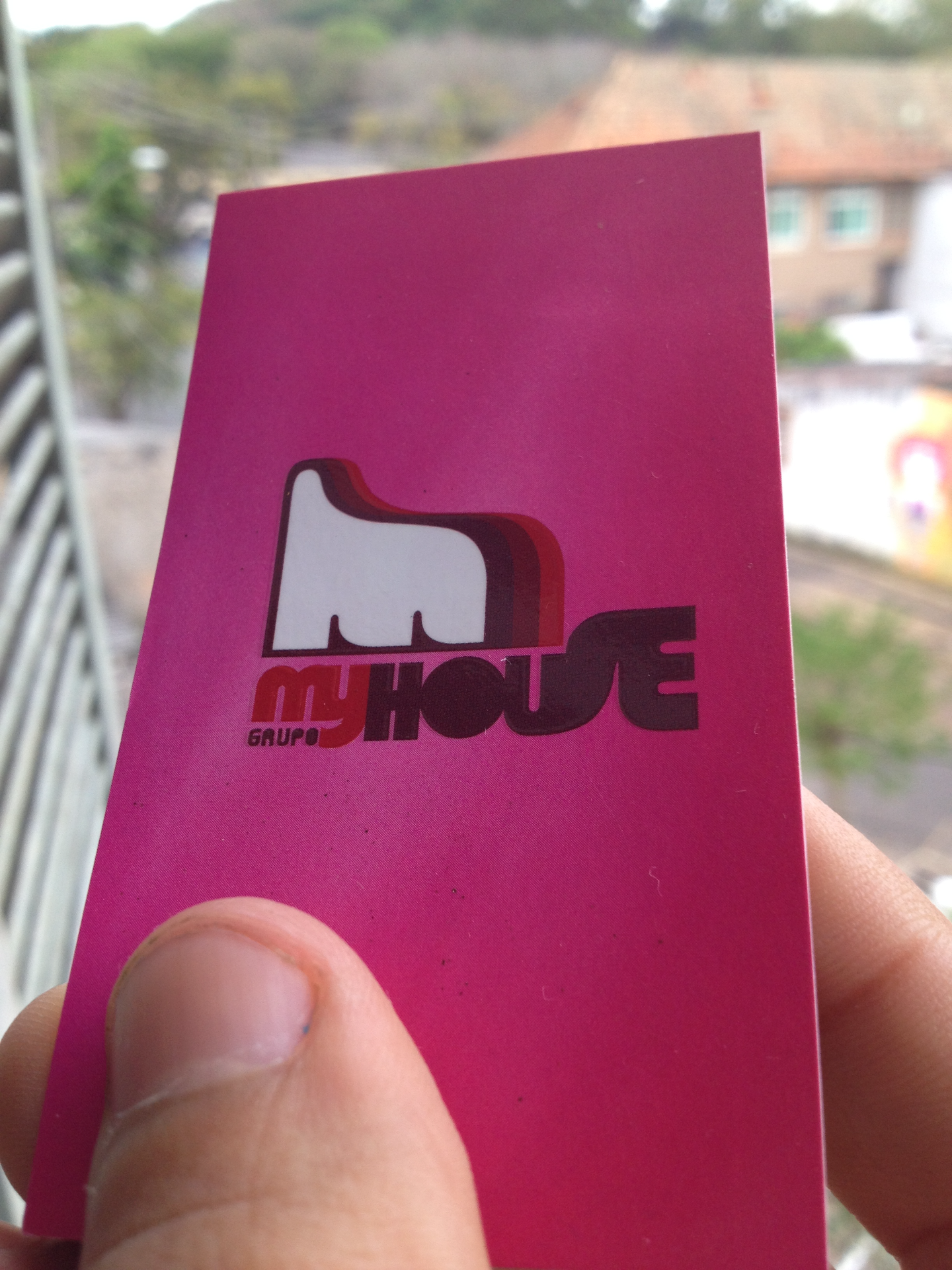 Logotipo Grupo My House
