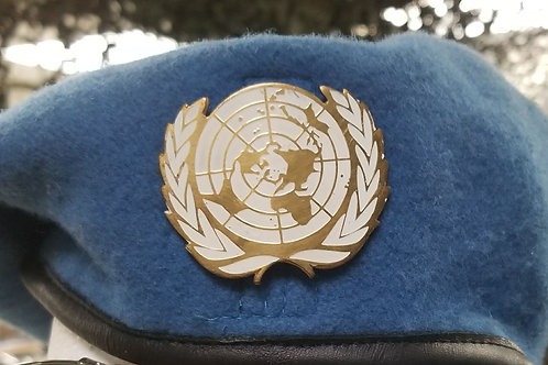 UN BLUE BERET WITH BADGE