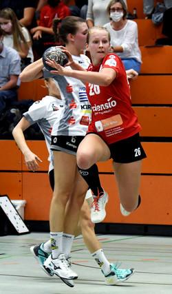 Falk_Simone_2020-09-19_Red_Sparrows_003.