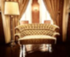 chaise de luxe en or