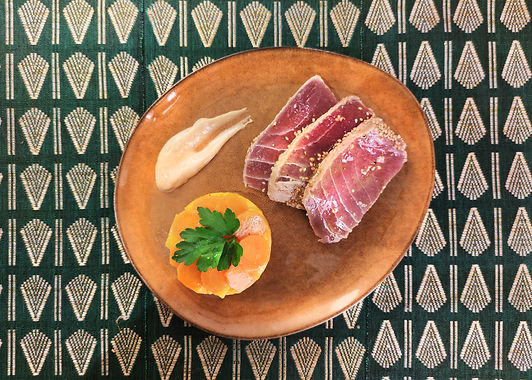 Tataki de thon sauce cacahuète