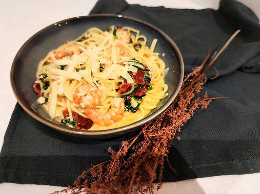 Spaghettis aux crevettes et tomates séchées
