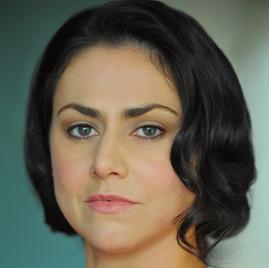 Corinne Davies Headshot 8