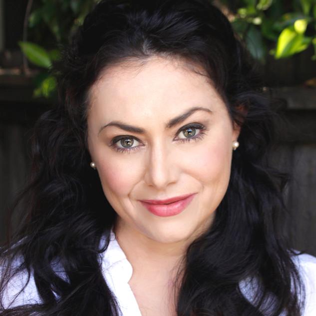 Corinne Davies Headshot 1