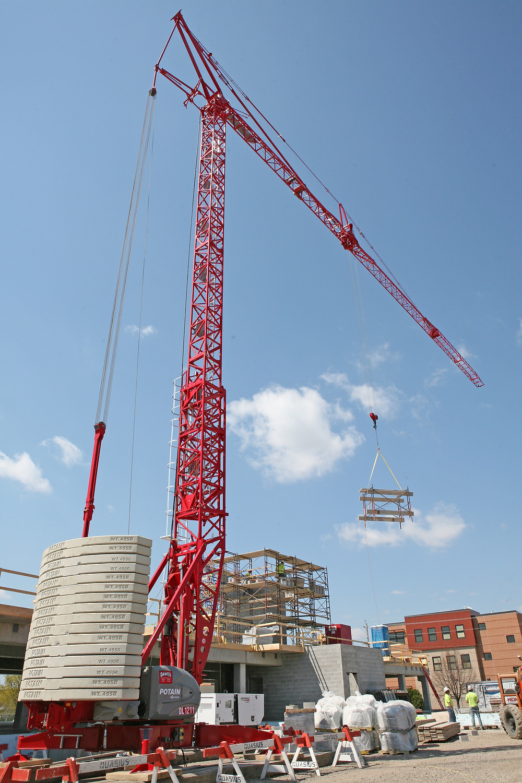 Potain, self-erecting cranes, tower cranes, Manitowoc Cranes.