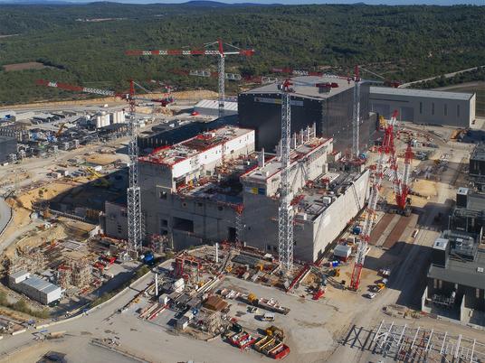 Derrière la plus grande centrale de fusion nucléaire, la puissance du travail d'équipe