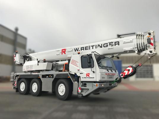 GMK3050-2 convinces Austrian equipment rental company to purchase first Grove mobile crane