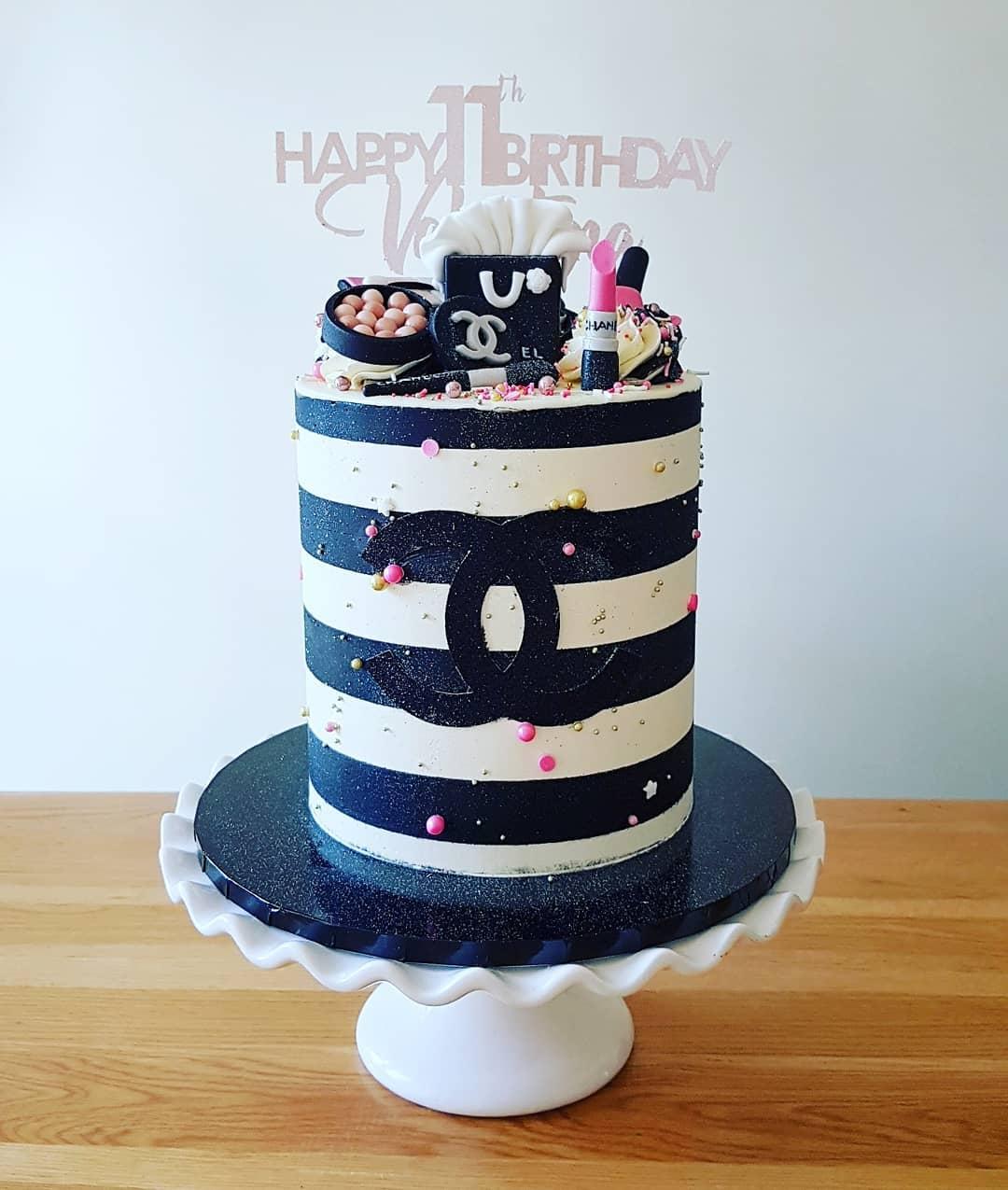 Chanel Make-up cake