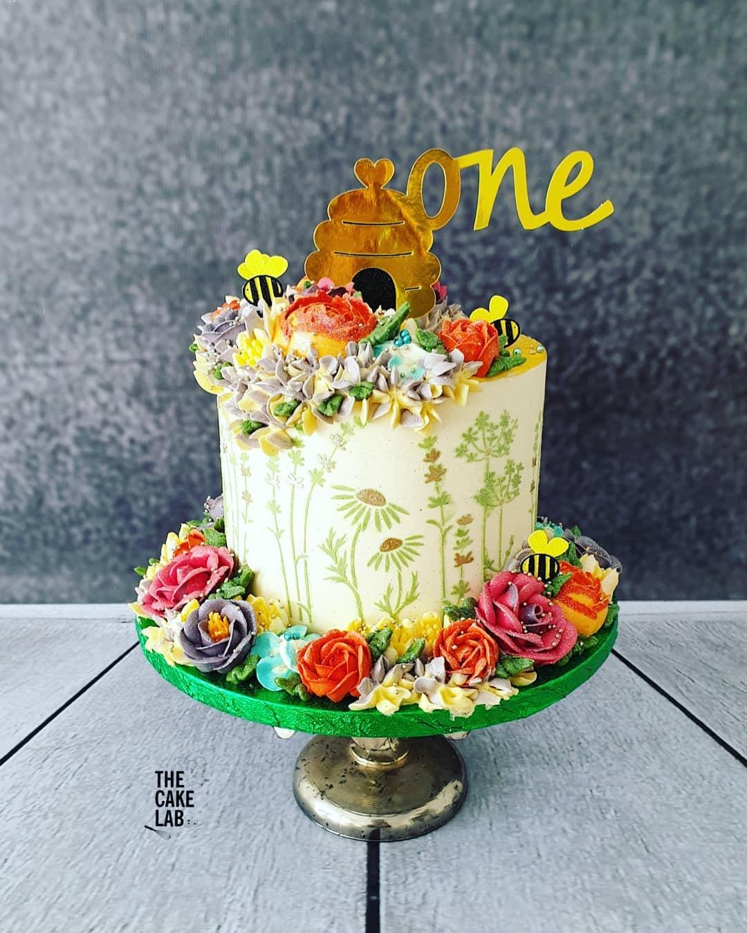 Honey Bee Spring cake