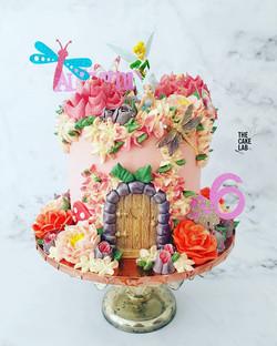 Fairy door cake 2