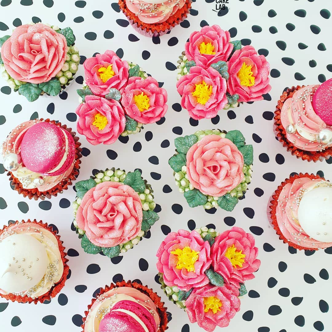 Floral and Macaron Cupcakes