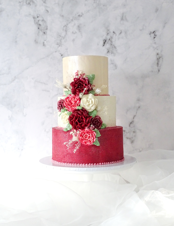 Winter Berry Coloured Wedding Cake
