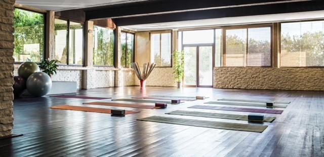 Design d'un studio de yoga et Pilates