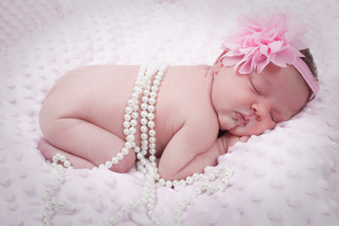 beb fille rose perle blanc noeud rose bebe fille rouge valise voyage ciel ballon shade shooting photo