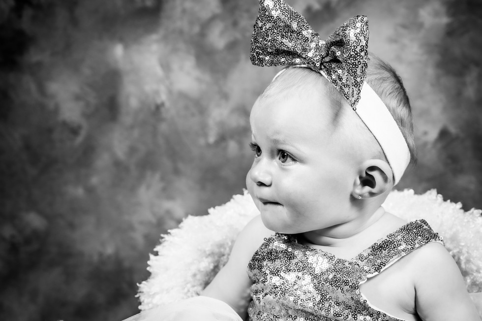 photo bebe fille noir et blanc shade