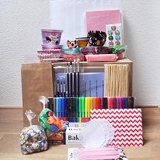 Organiseer makkelijk en goedkoop zelf een origineel kinderfeesje thuis met een draaiboek of compleet feestpakket: cupcakefeestje / bakfeestje