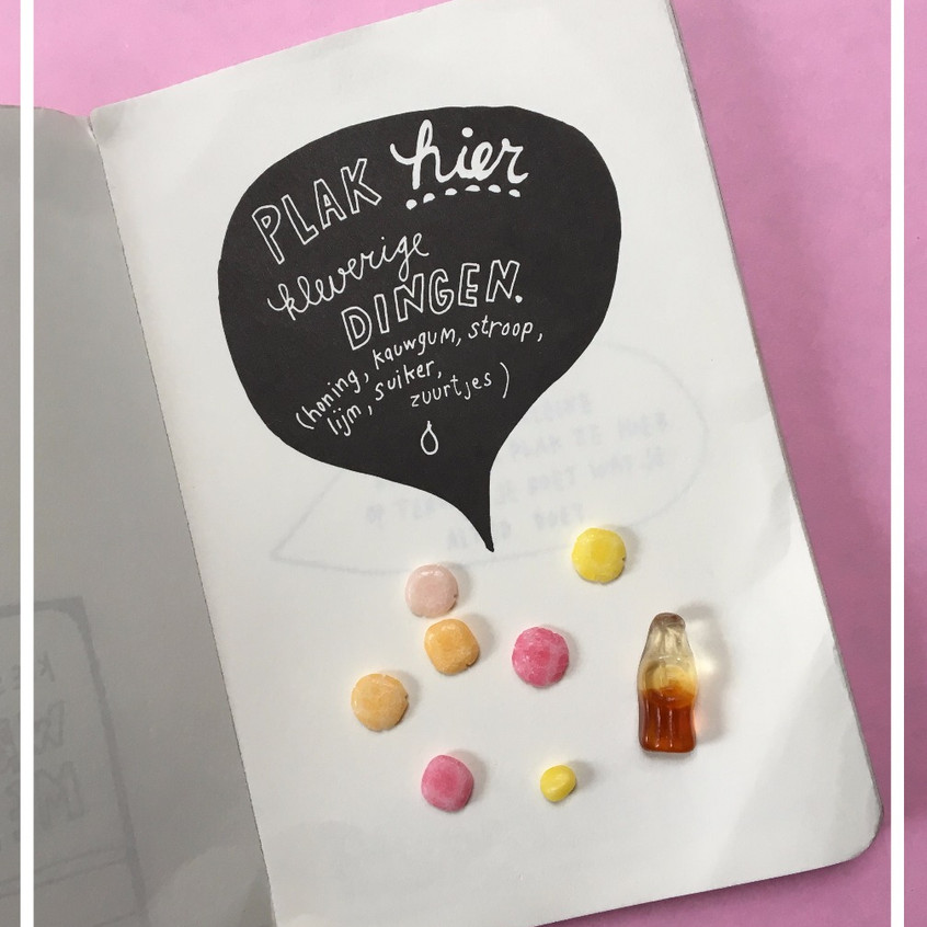 Cadeau tip voor kinderfeestje of verjaardag kind. Boek met leuke opdrachten. Blog van mamablogger Kaatje van www.vankaat.nl voor draaiboeken en feestpakketten voor de leukste kinderfeestjes thuis.