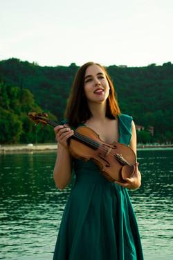Ana Julija Mlejnik, violina