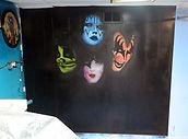 Kiss Mural by CS Stanley
