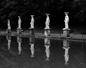 Hadrian's villa, statues at the pond