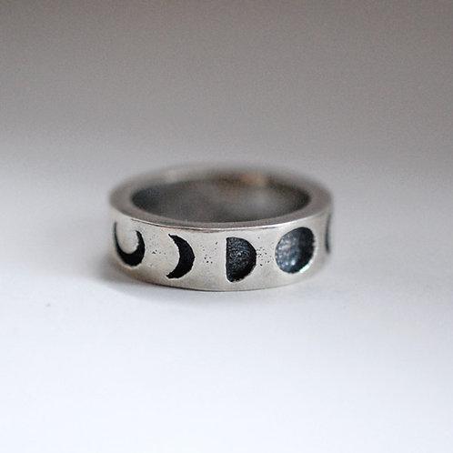 Moon Phase Band Ring