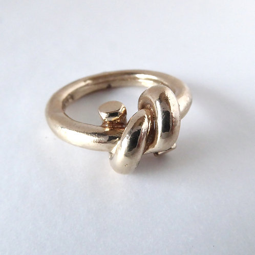 Forget Me Knot Ring in Bronze