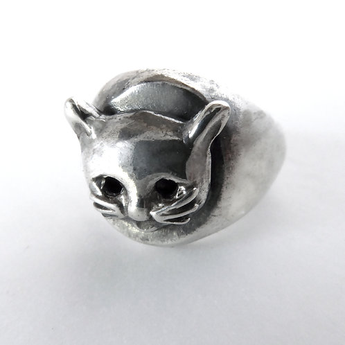 Kitty Cathead Signet Ring in Sterling Silver