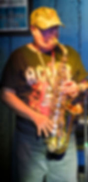 Jing saxofon, web.jpg