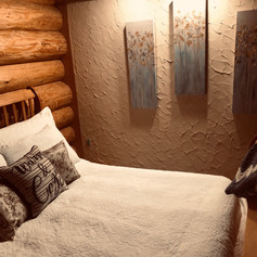 Cozy room with sitting room and private detached bathroom
