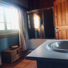 shared accomadation bathroom