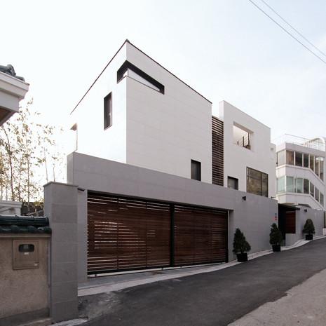 ITAEWON HOUSE 1