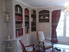 Mise_en_peinture_d'une_bibliothèque_en_b
