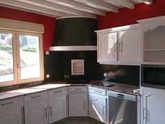 Mise en peinture de meubles de cuisine.j