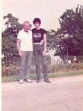 Ο Νίκος Ζαχαριάδης με τον αθλητή του Νίκο Κυριακίδη στους Βαλκανικούς Εφήβων στο Βουκουρέστι το 1983