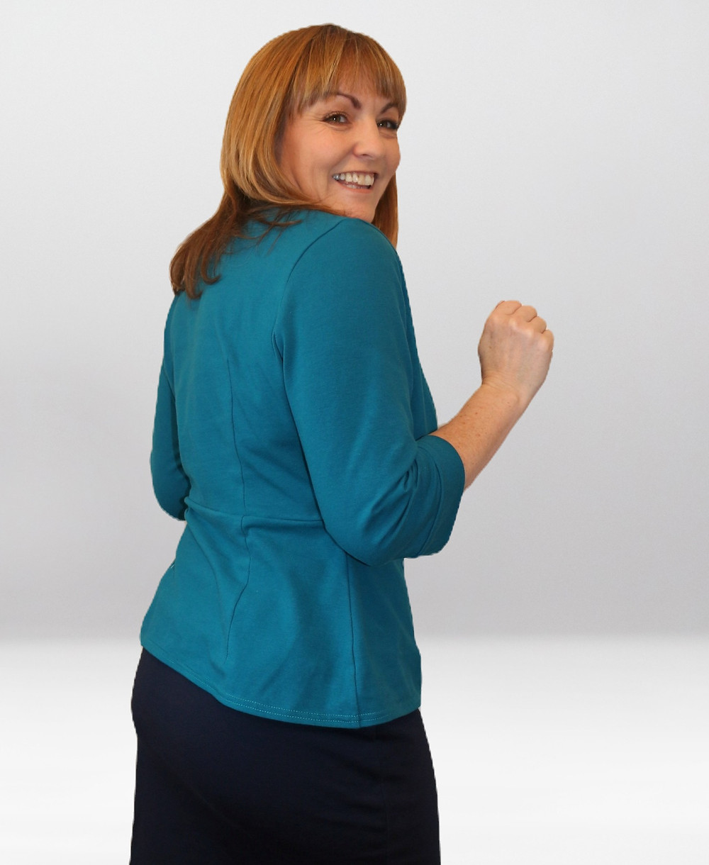 Side back view in the cotton Jersey version of the Simplicity 8735 top