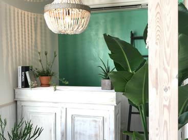 インテリアコーディネート実例。 エステサロン・マッサージサロン・美容室・カフェなどの内装デザイン施工も承ります! SHAMBALLA-INTERIOR(シャンバラ)