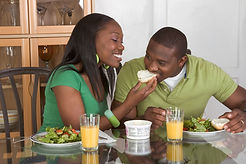 Gift ideas - couple sharing food