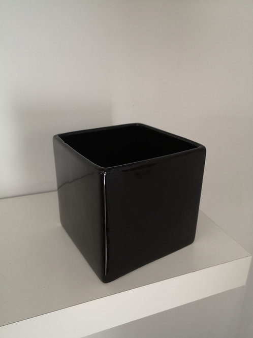 Black Shiny Cube Pot