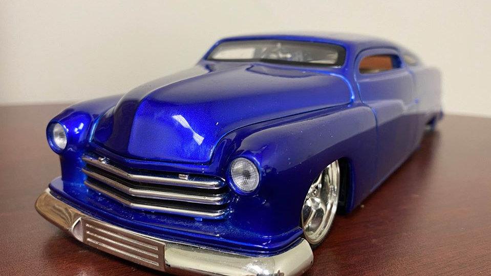 Custom Bagged 1951 Mercury Coupe Bagged, Chopped! 1/24