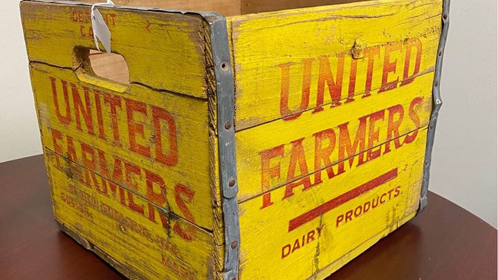 United Farmers Vintage Dairy Milk Crate Wooden excellent shape Very Rare