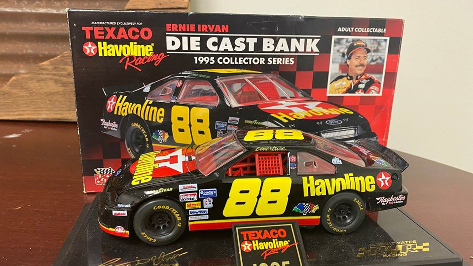 NASCAR Ernie Irvan #88 Thunderbird 1995 Collectible Racing Champions
