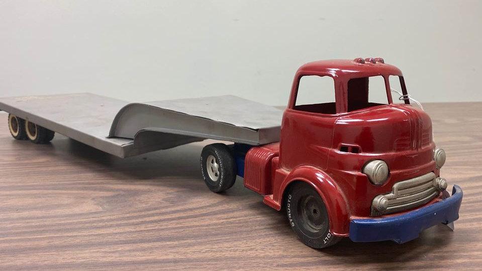 Vintage 5th Wheel Semi Truck Metal Toy