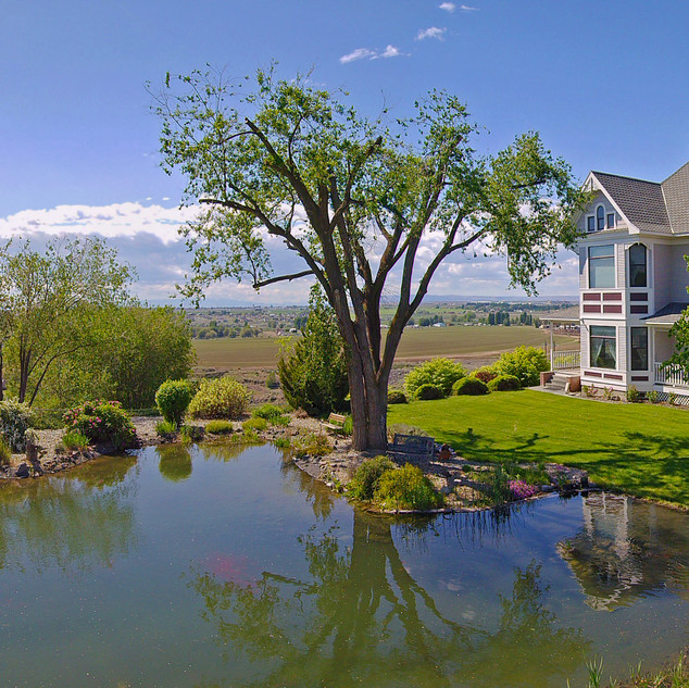 Stunning Moses Lake property