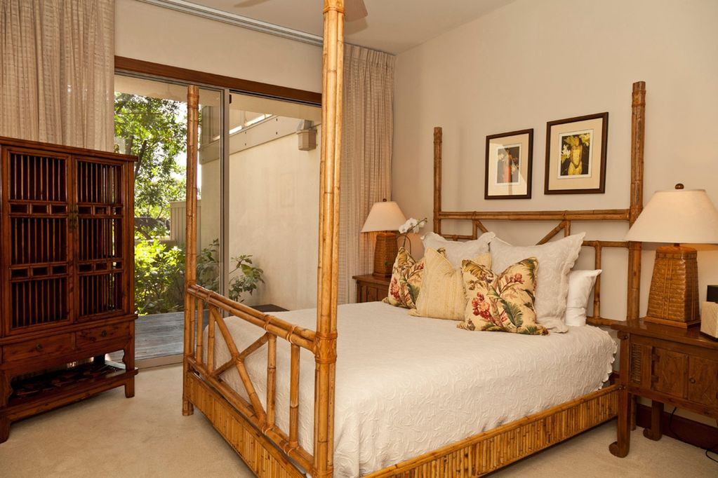 Lower Bedroom suite with lanai.jpg